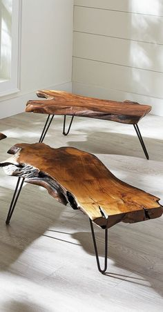 Furniture in raw wood. Bles and beautiful raw wood écorationcadre. Raw Wood Furniture, Live Edge Furniture, Furniture Projects, Living Room Furniture, Furniture Design, Handmade Wood Furniture, Into The Woods, Wood Table, Wood Coffee Tables