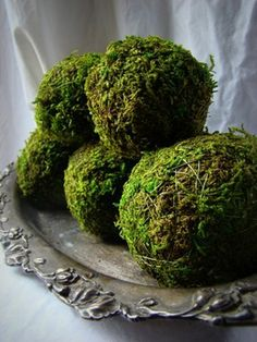 Green Moss Balls #wedding #rustic #woodland #woodlandwedding