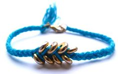 maternaltherapy friendship bracelet...totally could make this