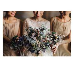 WEBSTA @ demi__ - 気ままにwedding report*お揃いのブーケはこんな感じ。#fiore_soffitta さんのドライフラワーのブーケ#メゾンスズ さんのドレスと相性バッチリの上、枯れなくて最高✨*#weddingbouquet #ウエディングブーケ#ドライフラワー#wedding#ブライズメイド#卒花嫁#プレ花嫁#ハナコレブーケレポ #ハナコレさんその節はありがとうございます