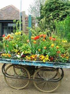 I'm going to need one of these.... out by the road to sell perennials, cut flowers, and veggies.  I'm sure I'll get around to it soon....