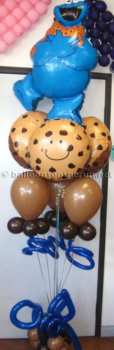 I can't get enough of the cookie balloons.. so adorable