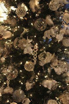 Christmas Christmas Holidays, Christmas Tree, Christmas Inspiration, Holiday Decor, Home Decor, Furniture, Interiors, Blue Prints, Christmas Vacation