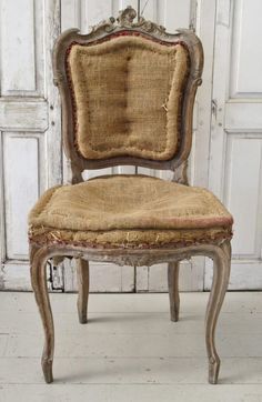 audreylovesparis:Old French Rococo chair