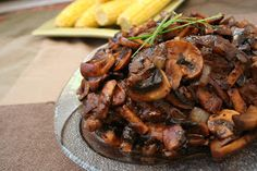 Meal Planning Steak with Balsamic Mushroom Sauce ~ originally from Gourmet Magazine Balsamic Mushrooms, Steak And Mushrooms, Stuffed Mushrooms, Beef Recipes, Cooking Recipes, Healthy Recipes, Chicken Recipes, Great Recipes, Arrows