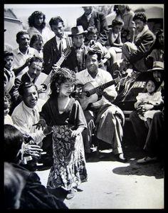 Un livre photo bien unique de 1959 quant aux Tsiganes en France et Espagne.... courtesy Wout J. van Vloten.