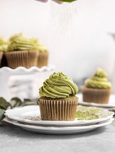 The BEST Vegan Matcha Cupcakes with a homemade vegan matcha buttercream frosting! These easy & moist green tea cupcakes make the perfect easy vegan matcha dessert recipe. You are just 35 minutes away from the best vegan cupcakes! #sgtoeats #matchacupcakes #matchadesserts Green Tea Cupcakes, Matcha Cupcakes, Matcha Dessert, Yummy Cupcakes, Fluffy Frosting Recipes, Vegan Frosting, Buttercream Frosting, Cupcake Recipes, Baking Recipes