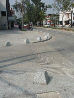 Detalle rebo peatonal calle presidente Masaryk. Con una inversión de 150 millones de pesos. Autoridad del espacio público+ Bernardo Gomez Pimienta