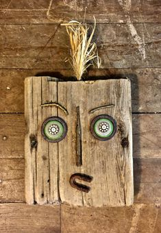 Folk art mask made of driftwood and found objects Recycled Art Projects, Diy Craft Projects, Garden Projects, Recycled Materials, Garden Ideas, Diy Crafts For Adults, Diy Arts And Crafts, Cute Crafts, Driftwood Wall Art