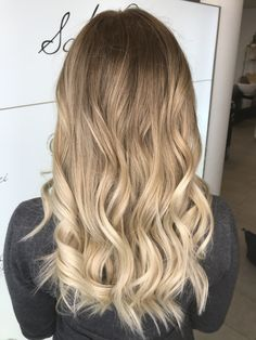 Blond hair Balayage Hair, Blonde Hair, Long Hair Styles, Beauty, Shaving Machine, Barber Salon, Hair Stylists, Balayage Hairstyle, Dressmaking