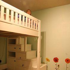hoogslaper met houten trapkast