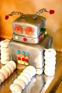 And yet another robot item... I guess I've just given you everything you need for a Robot Party... :)