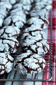 Chocolate Chai Crinkle Cookies. devour-blog.com