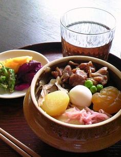 Japanese Kamameshi-Style Rice Dish with Tsuikemono Pickled Vegetables|釜飯とお新香