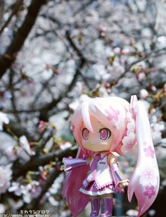 Sakura Miku Nendroid... WANT WANT WANT! Price and release date is TBA.