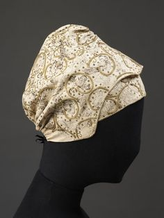 Coif and forehead cloth | V&A Search the Collections 1600 -1650