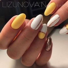 Simple Fall Nail Art Designs Ideas You Need to - Diy Nail Designs Nail Art Simple, Simple Fall Nails, Trendy Nail Art, New Nail Art, Fall Nail Art Designs, Simple Nail Designs, Acrylic Nail Designs, Glitter Manicure, Diy Nails