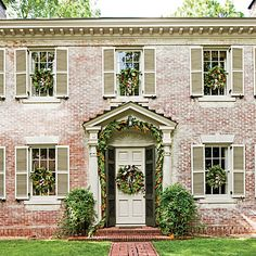 Create Homemade Wreaths Exterior House Colors, Exterior Paint, Exterior Design, Southern Living Magazine, White Wash Brick, White Stone, Christmas Greenery, Outdoor Christmas, Christmas Trimmings