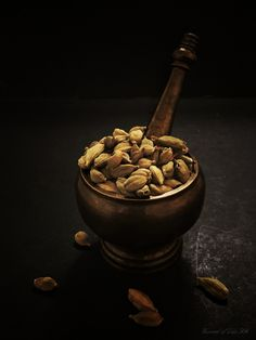 Cardamom - 'THE QUEEN OF SPICES' is one exotic spice with a wonderful aroma and an enticing warm, spicy-sweet flavour. The whole pods can be added to dishes, or the seeds can be extracted and either added whole or ground into variety of dishes and desserts. Its widely used in Indian and Middle Eastern dishes and in Scandinavian Baking.  Along with its fragrance and culinary uses it caters a plethora of health benefits too.