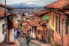 Sitios-Turisticos-de-Bogota-La-Candelaria -Calles de La Candelaria. En el Flickr de szeke.