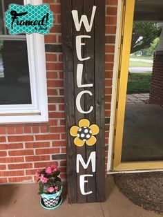 creative Easy DIY Welcome Sign Perfect for Seasonal Attachments Kids Woodworking Projects, Awesome Woodworking Ideas, Woodworking Shop Layout, Green Woodworking, Japanese Woodworking, Unique Woodworking, Woodworking Patterns, Diy Projects, Popular Woodworking