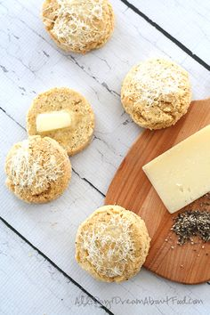 Delicious almond flour biscuits with asiago and cracked black pepper. Serve alongside some low carb soup for the ultimate comfort food meal. Gluten Free Cooking, Gluten Free Recipes, Low Carb Recipes, Real Food Recipes, Dessert Recipes, Yummy Food, Gf Recipes, Recipes Dinner, Potato Recipes