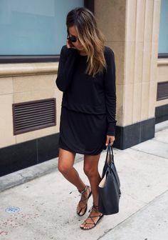 Estilo elegante, esportivo e dramatico. Confortável,  urbano, moderno, cool. Sofisticação no tecido plano, na sandália rasteira bem feita e força na cor preta.
