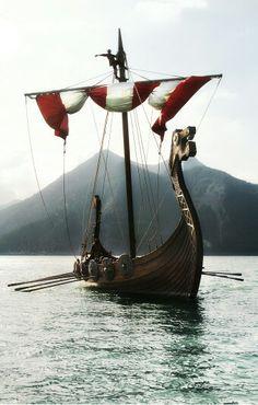 Inspiration for Mythology Writers Viking Life, Viking Art, Viking Warrior, Viking Longship, Old Sailing Ships, Viking Culture, Vikings Tv, Norse Mythology, Tall Ships