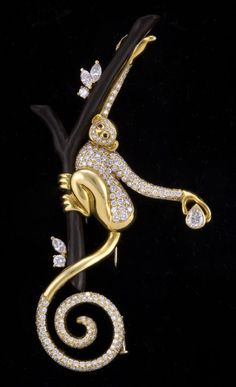 Lipten SPIDER MONKEY 18K GOLD 5.6 CT DIAMOND BROOCH PIN | From a unique collection of vintage brooches
