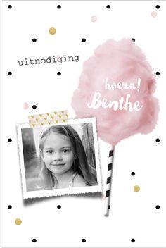 Hippe enkele foto uitnodiging voor een meisje kinderfeestje! Met suikerspin en zwart-wit stokje, fotokader en goudlook elementen. Geheel zelf aan te passen.