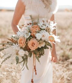 Our Favorite Bouquets from 2017 - peach dusty rose desert #bouquet #weddingbouquet #bouquetinspiration