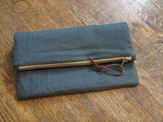 fold-over linen clutch  http://www.ecabonline.com/2011/05/fold-over-clutch-metal-zipper.html