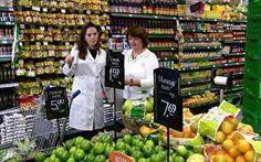 Nutricionista organiza refeição de R$ 3 e ensina dona de casa a economizar