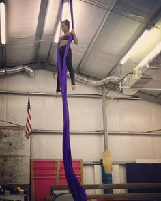Have to smooth this one out. So much to do lately  #aerialsilks #busybee #aerialist #aerialistsofig #silk #tissu #strength #stretch #fitgirl #fitness #fit #circus #circusstrength #circuseverydamnday #obessed #cantstop #dowhatyoulove