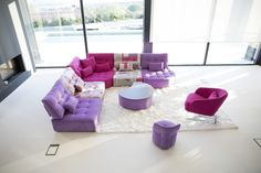 Modern style Arianne Love sectional by Fama. Classic piece of contemporary furniture and design. Modern Sectional, Sectional Sofa, Decor Interior Design, Interior Design Living Room, Torrevieja, Relax, Outdoor Furniture Sets, Outdoor Decor, Modular Sofa