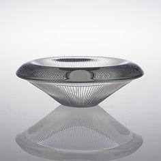 TAPIO WIRKKALA - Glass bowl '3345' for Iittala 1954, Finland. - In a half-mold shaped crystal, polished and line cut. Diameter 20 cm. Glass Design, Design Art, Bukowski, Scandinavian, Glass Art, Auction, Crystals, Finland, Passion
