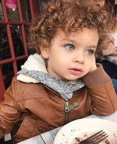 This baby is a dream. Can't even handle the cuteness! Baby Kind, Pretty Baby, Baby Love, Cute Mixed Babies, Cute Babies, Mixed Baby Boy, Cutest Babies Ever, Cute Baby Pictures, Baby Photos