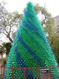 Christmas Tree With Recycled Materials Busqueda De Google In 2020 Recycled Christmas Tree Diy Christmas Tree Amazing Christmas Trees
