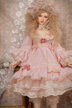 Welcome to BABY CHANTILLY BJD world!  Let me introduce you OOAK (one of a kind) Rosy Dream Set for SD/SD13 and similar BJD girl sizes.  The