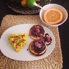 I'm going to change the rules: today is Breakfast #thursday Hams and booty post workout #fitnessmotivation #fitness #fit #fitfood #fitnessaddict #fitspo #workout #goals #gainz #bodybuilding #gym #training #photooftheday #healthy #instahealth #healthychoices #musclefood #strong #motivation #instagood #determination #lifestyle #getfit #cleaneating #eatclean #fitnessfood #breakfast #fitmom #like4like @muscleegg @waldenfarmsinternational @kodiakcakes by dallas_queen_fit_mom
