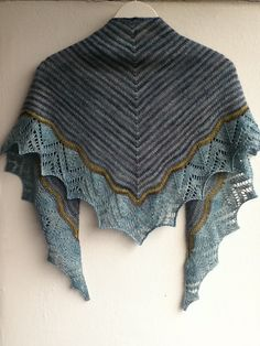 Free knitting pattern for Dream Stripes shawl and more colorful shawl knitting patterns at http://intheloopknitting.com/colorful-shawl-knitting-patterns/