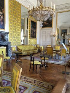 See 9694 photos and 780 tips from 61827 visitors to Château de Versailles. Palace Of Versailles, Four Square, Pretty, Living Room