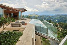Anastasia Arquitetos have designed a new modern house in Nova Lima, a mountainous town near Belo Horizonte, Brasil. #ModernHouse #SwimmingPool #Architecture