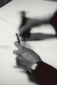 drawing with the unbound sensuality of spontaneous gesture