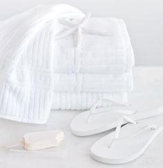 Color Blanco - White!!! Towels GlucksteinHome Sculptured Spa Bath