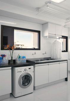 Varal em lavanderia com forro de gesso