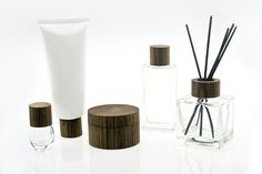 High quality finish comsetics and makeup packaging set with wooden lid cap made by simply-wood.com ***Tangible product***