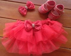 Kit bunda rica tutu bailarina Baby Girl Shoes, Baby Girl Dresses, My Baby Girl, Baby Love, Baby Dress, Flower Girl Dresses, Tutu Bailarina, Birthday Party Centerpieces, Baby Bling