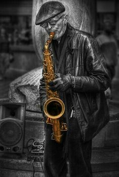 Sax, jazz and more sax . Sound Of Music, Music Love, Music Is Life, My Music, Arte Jazz, Jazz Art, Foto Flash, Color Splash, Color Pop