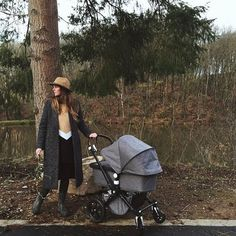 We're thrilled to see the Bugaboo Cameleon3 Blend out in the wild and styled to perfection by @sofienoyen, matching tweed coat anyone? Thanks @kid_antwerp for sharing! #bugaboo #specialedition #cameleonfriends #photooftheday #style #fashion